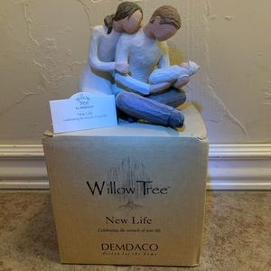 Willow Tree® New Life New Baby Family Figurine